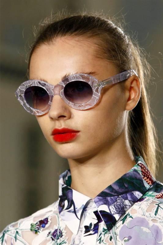 Модный аксессуар весны 2012: солнцезащитные очки