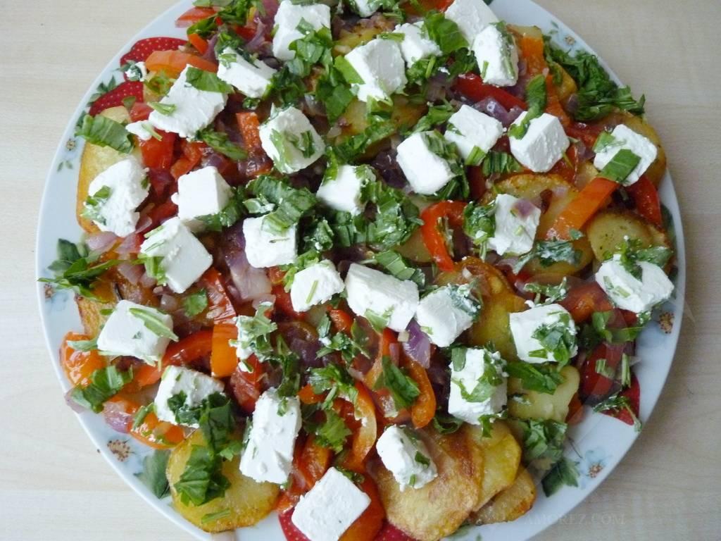 Жареный картофель по-гречески