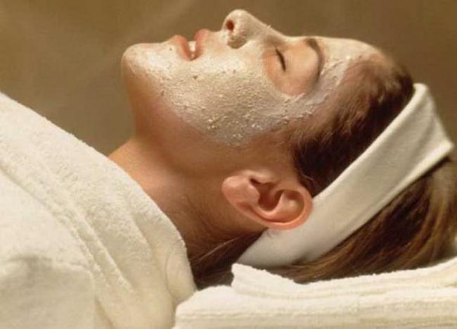 Омолаживающая маска для лица с геркулесом в