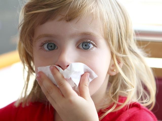Насморк у ребенка - лечить или не лечить?