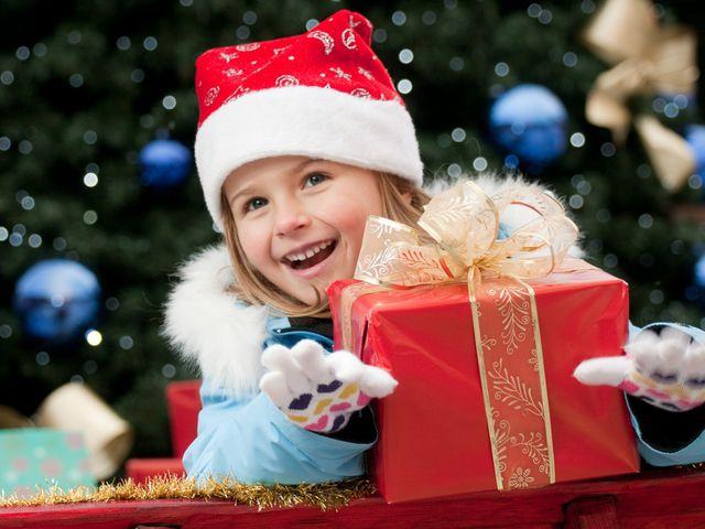Выбираем новогодние подарки для детей
